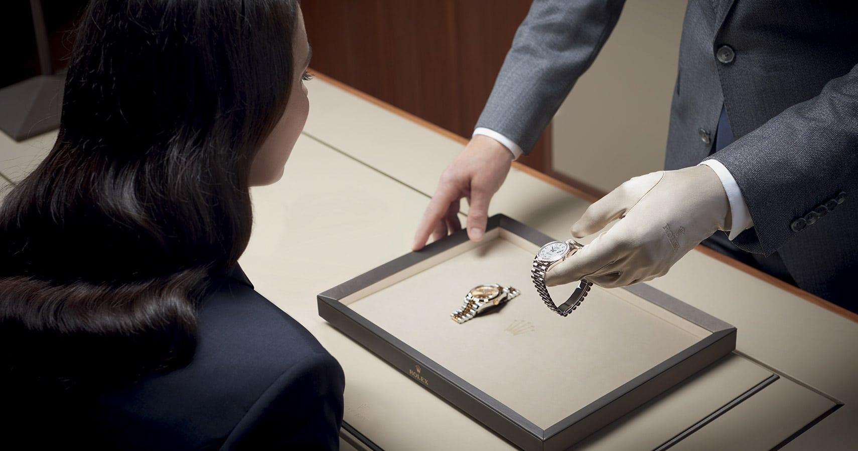 การนำนาฬิกา Rolexเข้ารับบริการ ที่ ศูนย์ซ่อม Rolex เอ็น จี จี ไทม์พีซ